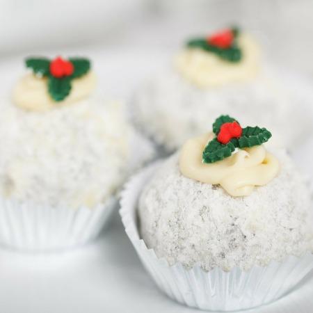 christmas, christmas pudding, christmas season, healthy christmas desserts, vegan christmas desserts, christmas pudding