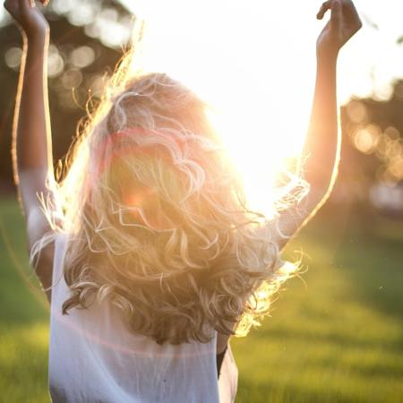 should-you-get-vitamin-d-from-the-sun-or-supplements